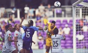 Assistir a um jogo de futebol feminino em Orlando: partida de futebol do Orlando Pride