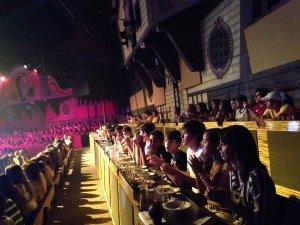 Jantar e show Pirate's Dinner Adventure em Orlando: mesas