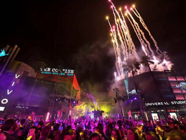 Festa de Réveillon EVE na Universal CityWalk em Orlando