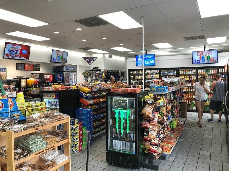Como abastecer o carro nos Estados Unidos: loja de conveniência