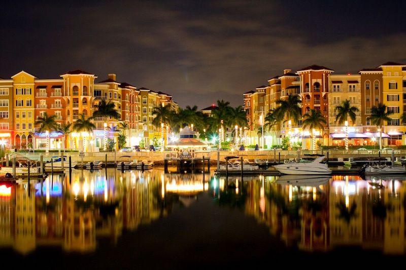 O que fazer à noite em Naples