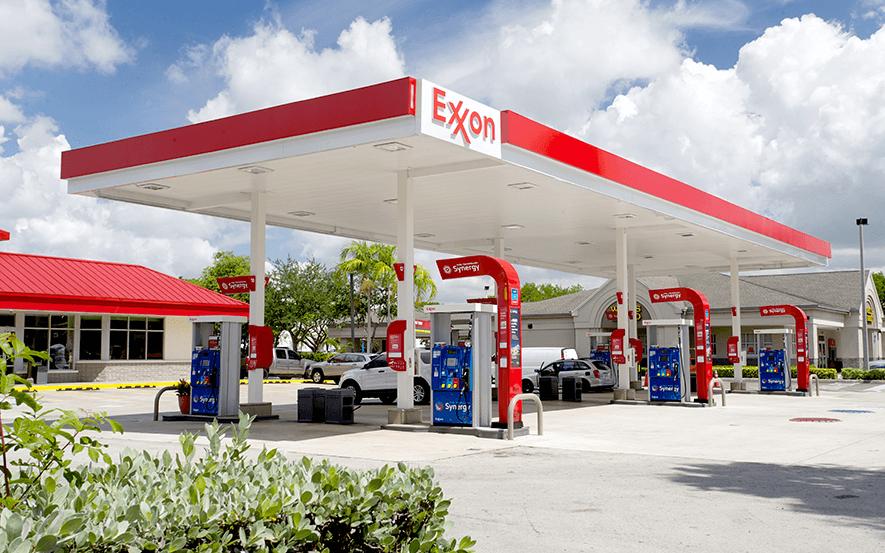 Como abastecer o carro em Orlando: posto de gasolina Exxon