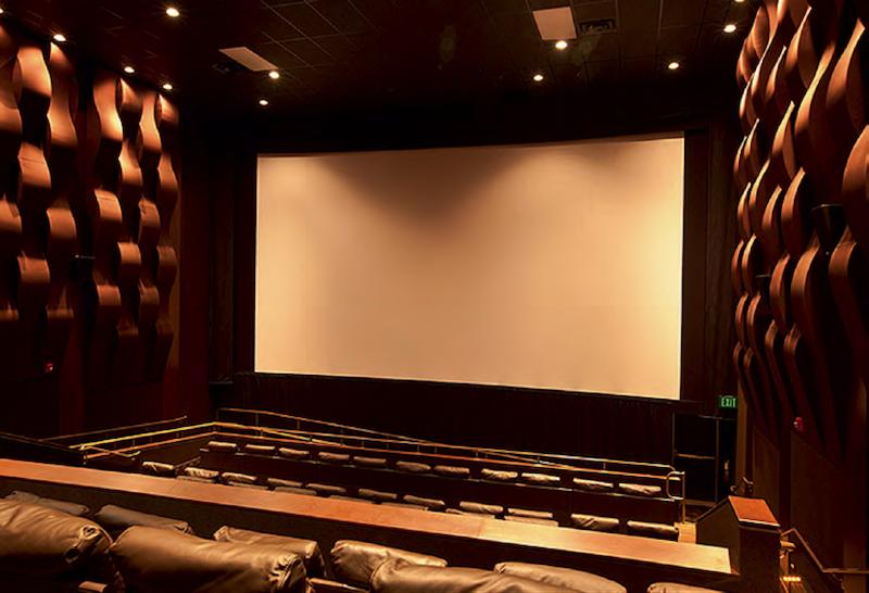 O que fazer à noite em Naples: Silverspot Cinema