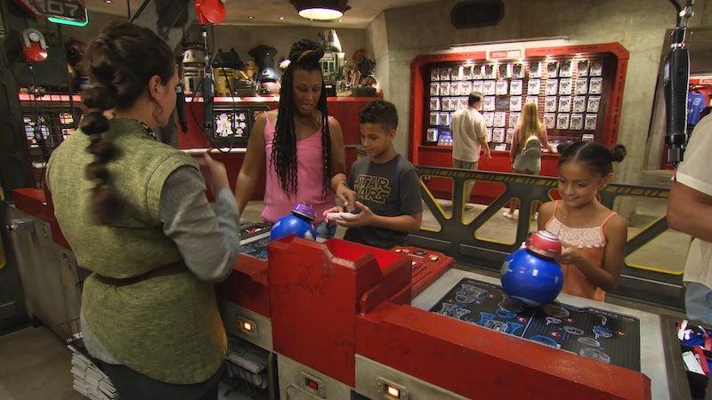 Droid Depot na Star Wars Land da Disney Orlando: visitantes