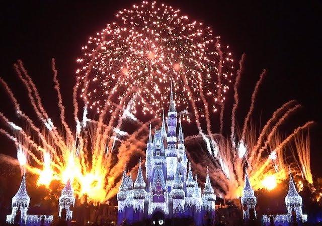 Minnie's Wonderful Christmastime Fireworks Show na Disney Orlando