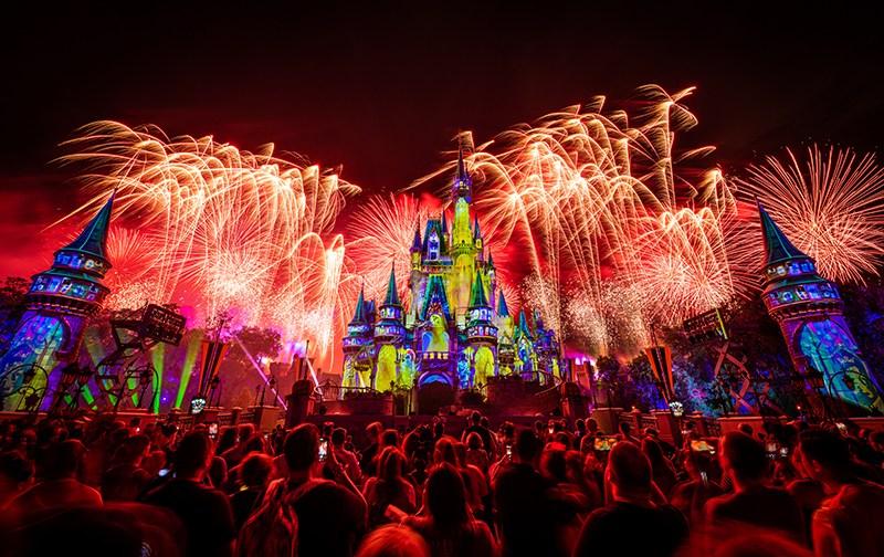 Minnie's Wonderful Christmastime Fireworks Show na Disney Orlando: visitantes