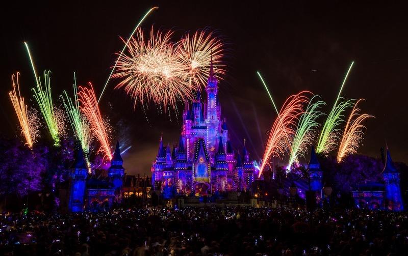 Assista à transmissão ao vivo do show de fogos de Ano Novo da Disney Orlando: show de fogos de artifício