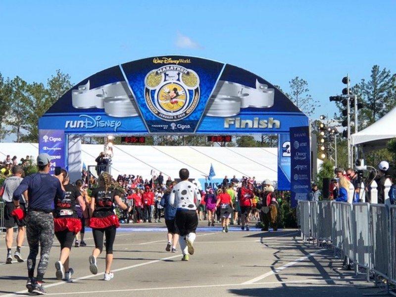 Como funciona o Club runDisney em Orlando: linha de chegada da corrida da Disney