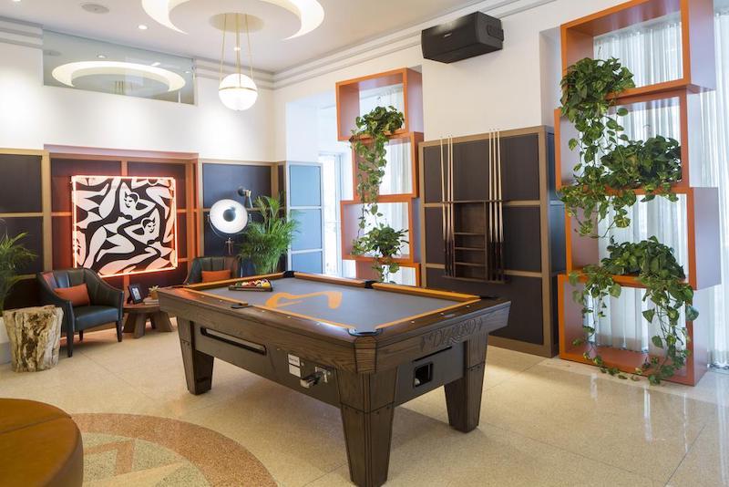 Melhores hostels em Miami: salão de jogos do hostel Generator Miami