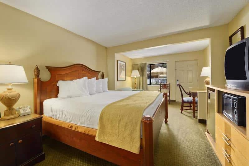Quarto do Travelodge Suites East Gate Orange em Orlando