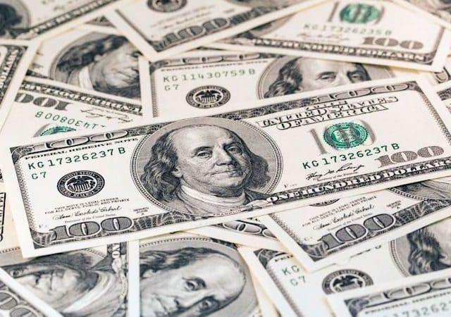 Notas de dólares em Orlando