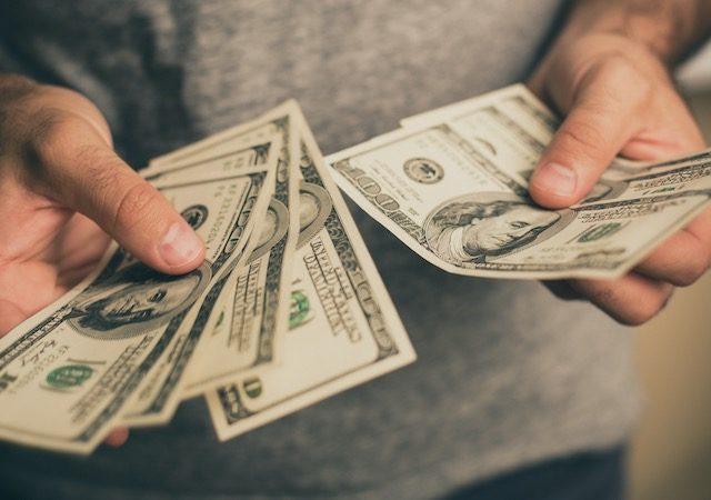 Melhor forma de levar dólar para Orlando