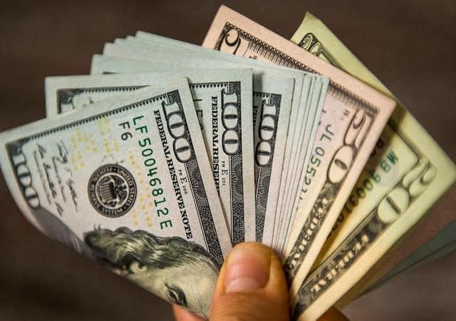Como levar dólares para Orlando