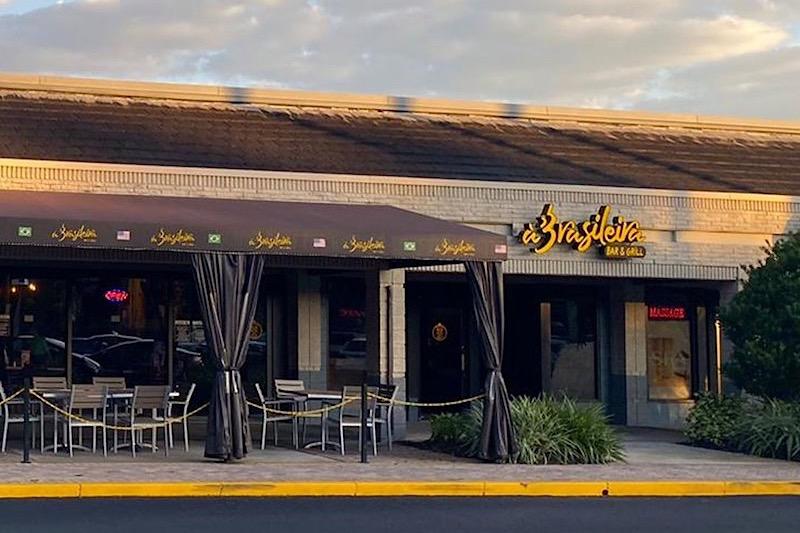 Fachada do restaurante e bar À Brasileira em Orlando