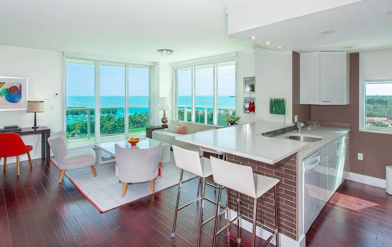 Interior do apartamento alugado em Miami