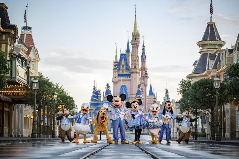Personagens no aniversário de 50 anos da Disney em Orlando