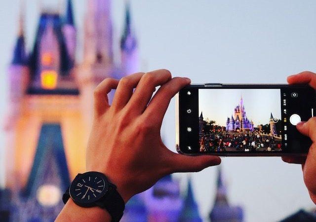 Tirando foto na Disney em Orlando