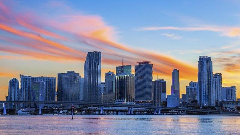 Pôr do sol na cidade de Miami