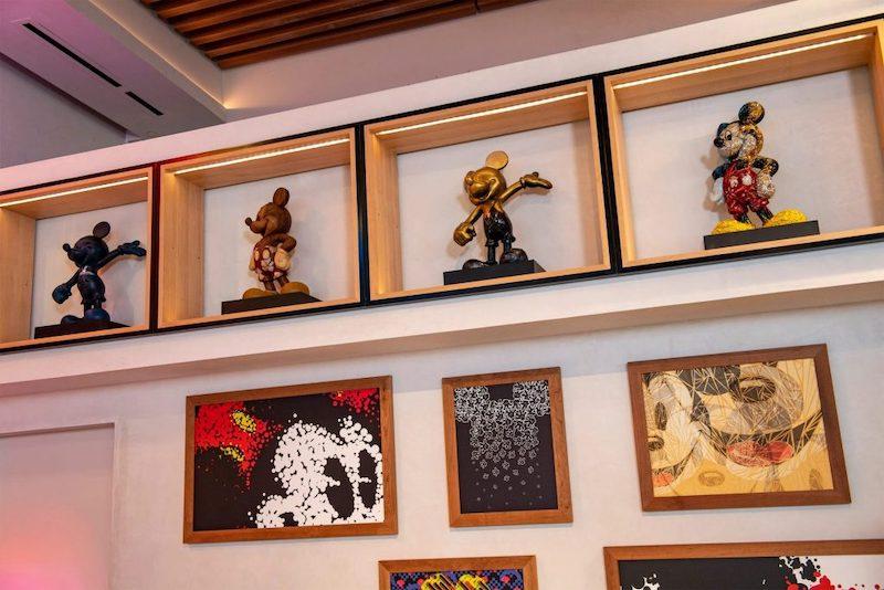 Produtos temáticos do Mickey na Creations Shop no Epcot da Disney Orlando